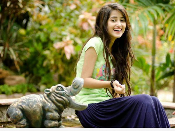 """Sajal Aly: """"Not desperate for Bollywood!"""""""