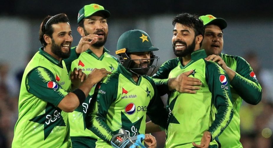 PAK win by 10 wickets, beat IND for the 1st time in WC history